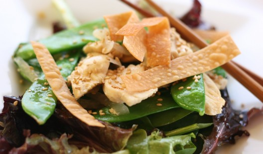 Chinese Chicken Stir-fry Salad with Crispy Croutons