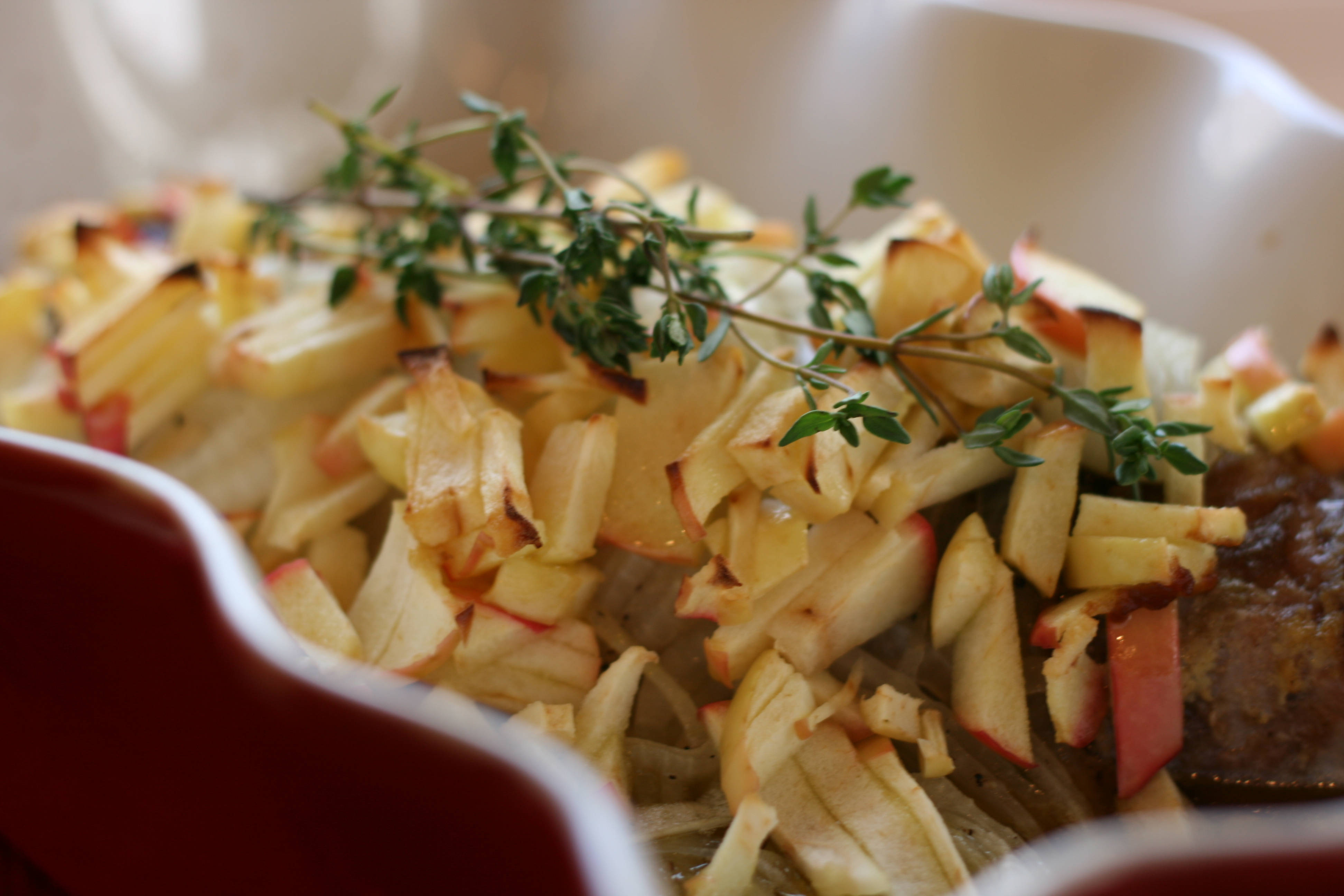 Pork Tenderloin With Roasted Apples And Onions Recipe ...