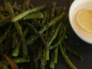 Grilled Asparagus with Lemon Dill Dip